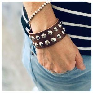 Chic studded cuff/Bracelet